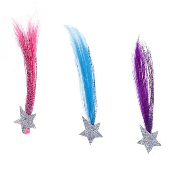 The Honey Girls are all-star performers, and this three-piece set of hair extensions lets them shine even brighter! With sparkly silver stars and pink, blue and purple colours to choose from, this fun hair accessory set has everything you need to give your furry friend a truly unique style.