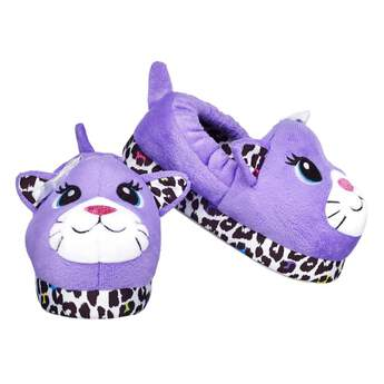Keep your feet warm and cute at the same time! These slippers for kids feature a fun face with leopard print bottom trim and ears. Kids size 11/12.