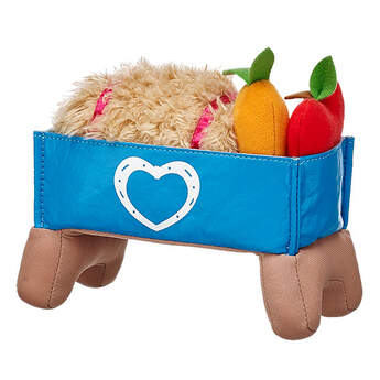 Who's hungry? Keep your Horse Plush full with this Horses & Hearts Riding Club Nutrition Kit. It includes a toy trough, bale of hay, apple and a carrot.