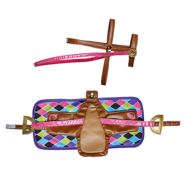 Ready to ride? Add a Pink Geometric Saddle, Bridle & Blanket Set to your very own horse. This detailed toy blanket features a multi-coloured diamond pattern and a coordinating brown and pink saddle and bridle. It's the perfect accessory for any member of the Horses & Hearts Riding Club.