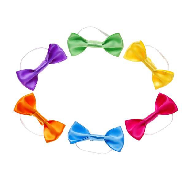 Add a pop of colour to any furry friend's look with this six-piece rainbow bow set! With purple, green, yellow, orange, blue and pink bows all in one set, this versatile accessory pack has everything you need for some extra style. Add a wig to your furry friend's look for even more hair-stylin' fun!