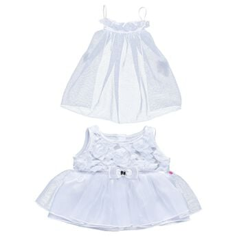 A First Communion is a big occasion, so give your furry friend the outfit they need for such a monumental day! This classic set features a beautiful white dress and a white veil for your furry friend's head!