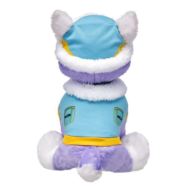 Everest is ready to roll out on a really cool rescue! Dress your furry friend in her teal coat with faux fur collar and her fur-lined beanie cap.© 2016 Spin Master PAW Productions Inc. All Rights Reserved. PAW Patrol and all related titles, logos and characters are trademarks of Spin Master Ltd. Nickelodeon and all related titles and logos are trademarks of Viacom International Inc.