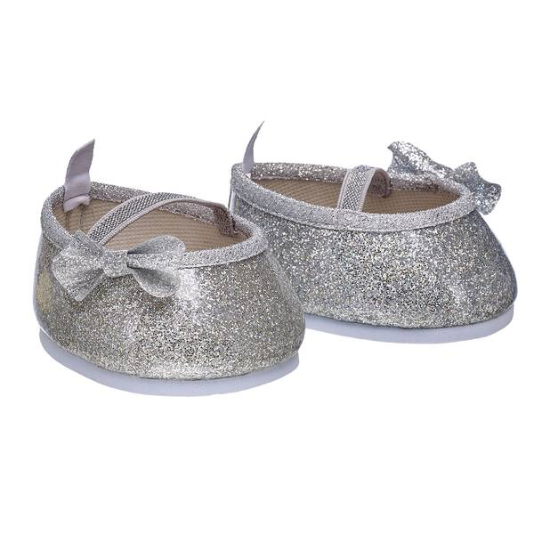 The perfect amount of style meets the perfect amount of shimmer with this ultra-cute pair of sequin flats. These sparkly silver shoes feature small silver bows on the sides to give your bear some extra flair! Pair these flats with a wide variety of outfits and accessories for a complete look.