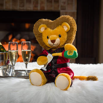 Online Exclusive Lovable Lion Champagne Gift Set, , hi-res