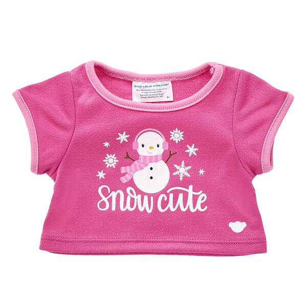 This wonderful winter look is SNOW cute! Dress your furry friend in this cute T-shirt to keep them stylin' this Christmas season.