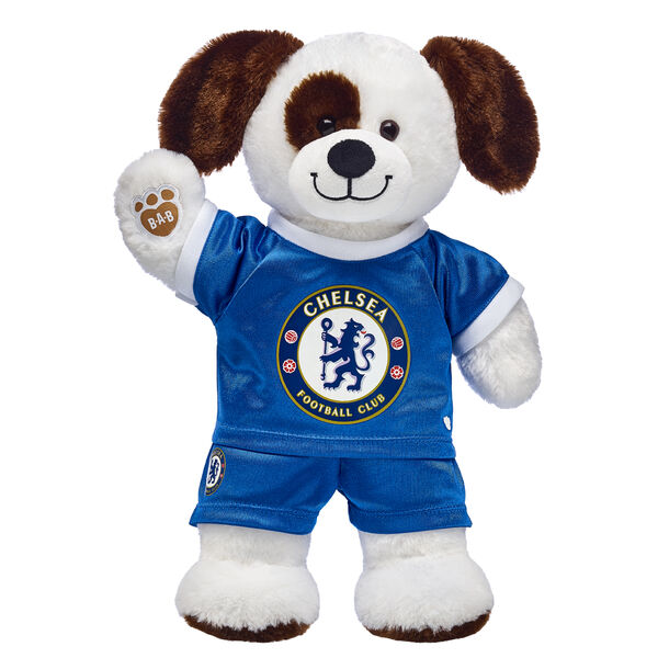 Goal! This cuddly stuffed animal gift set is a fun way to score with the football fan in your life! Ruff n' Tumble Puppy is ready to play on the pitch with its Chelsea football kit. It's a great gift for sports fans!