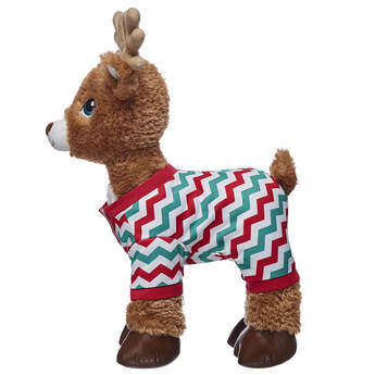 Keep your reindeer furry friend warm from the cold winter air with this cute pyjama sleeper for four-legged stuffed animals. This red and green sleeper has a fun and festive chevron pattern!