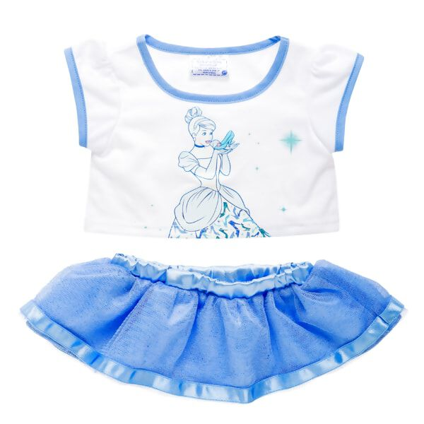 It's a perfect fit! Your furry friend can look her best in this Disney Princess Cinderella tee and skirt. © Disney